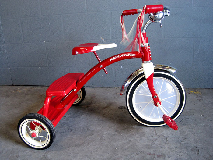 Radio Flyer Tricycle In Red - ArtappelArtappel