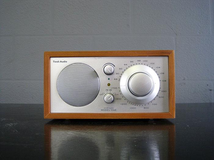 AV-RADIO-08-2