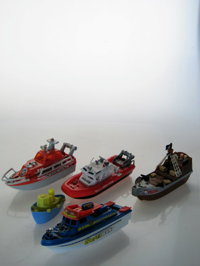 TOY-BOAT-01-1