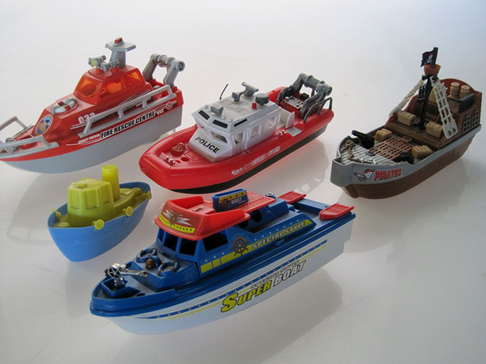 TOY-BOAT-01-2