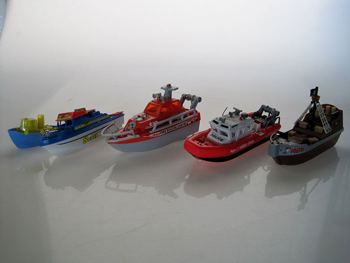 TOY-BOAT-01-3