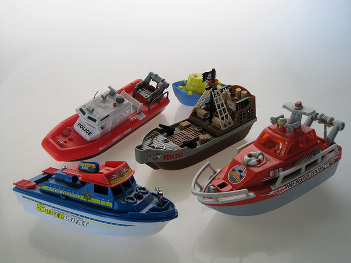 TOY-BOAT-01-7
