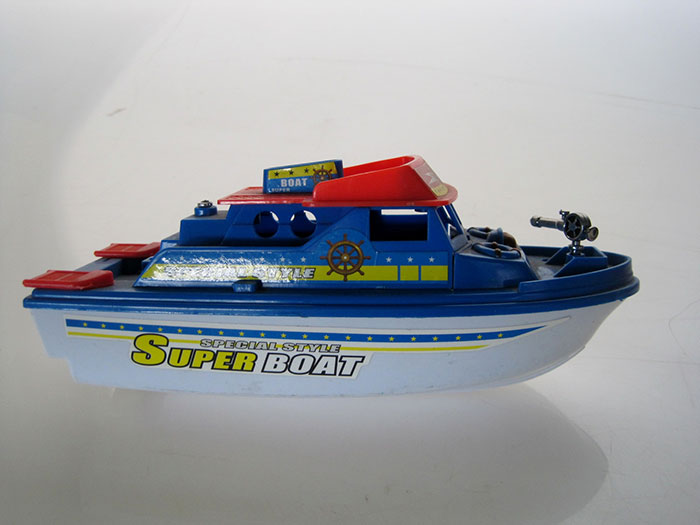 Assorted Plastic Toy Boats Artappelartappel