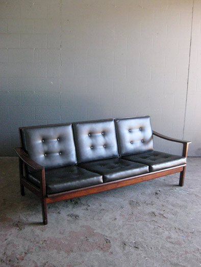 3 Seater Leather Couch With Wooden Arms In Black